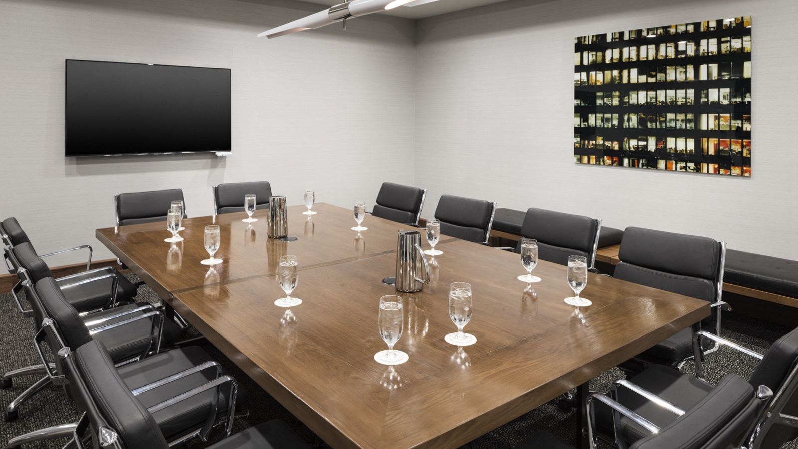 host your Oak Brook IL Meetings in one of our small meetings spaces